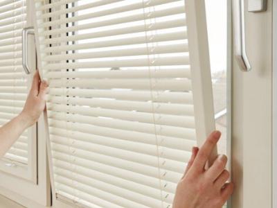 Zonwering schuin raam inzetsysteem